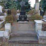 多磨霊園へ、納骨と文字彫刻の下見に行きました。