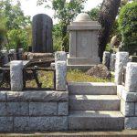 多磨霊園にて、大きく成長した樹木の伐採と、納骨堂タイプのお墓・句碑の高圧洗浄、カロートの修理をさせていただきました